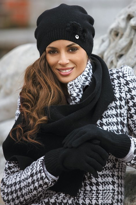 Женская шапка Abella Black