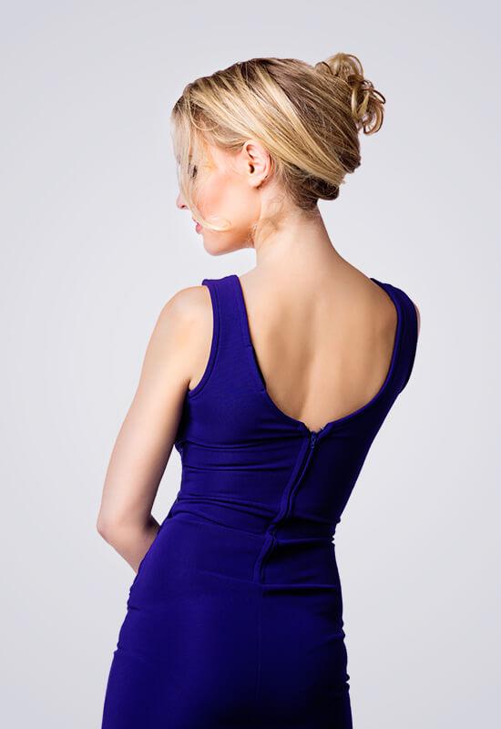 Obleke s krojenim hrbtom
