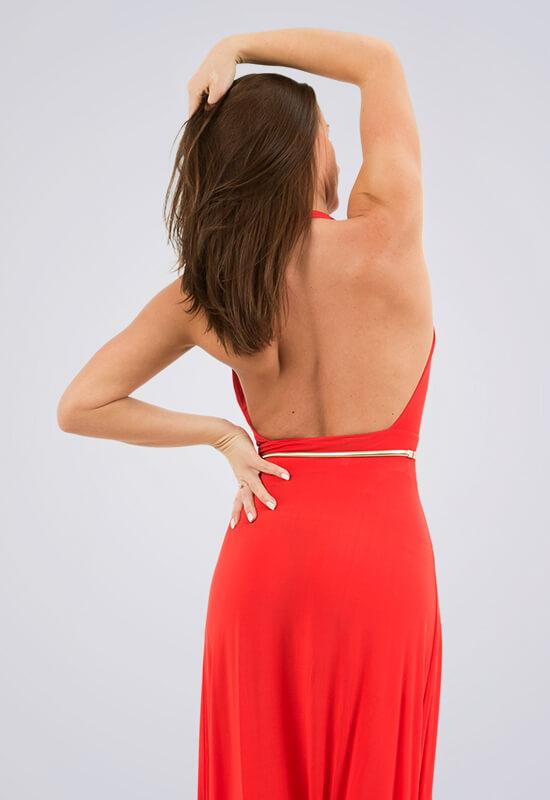 Šaty s holými zády