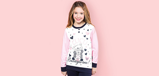 Lányka pizsamák