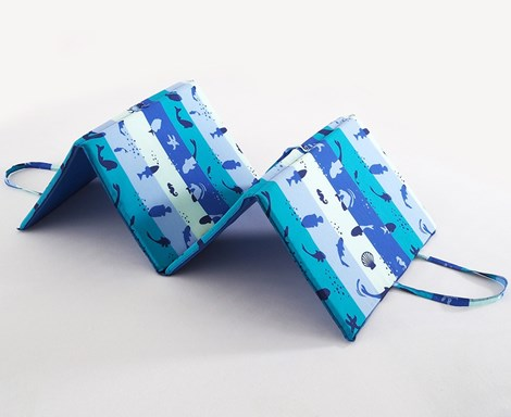 B.E.S. Petrovice Plážové lehátko Fish modra 140x50x2