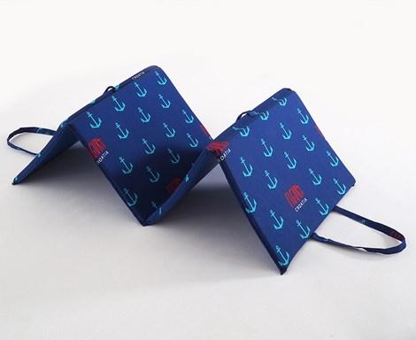 B.E.S. Petrovice Plážové lehátko Blue Anchor modrá 140x50x2