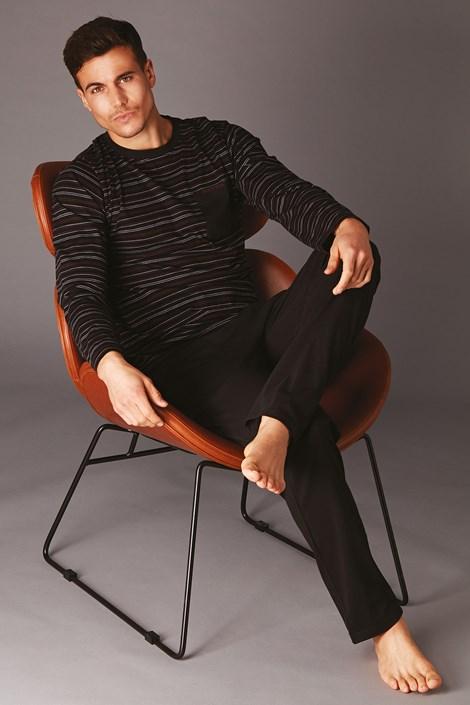 Černé pruhované pyžamo