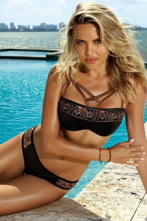05687b2aae Etna je výrobcem dvoudílných dámských plavek a plážových šátků ...