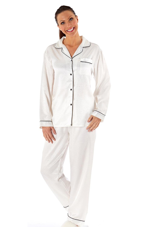a6a1397c9bd2 Dámské saténové pyžamo Coco