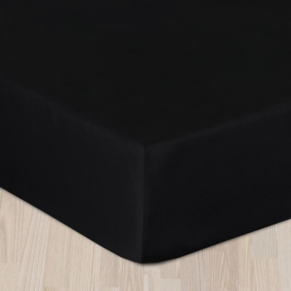 Napínací saténové prostěradlo černé